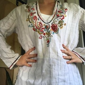Chico's linen embroidered pullover top